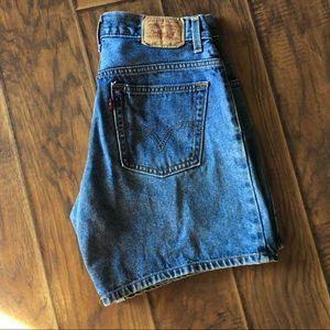 🌻550 Levi high rise shorts